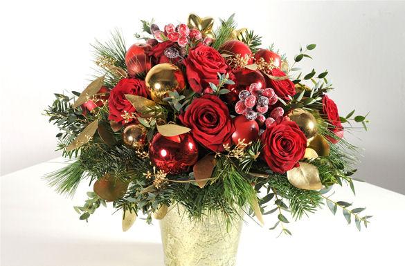 Zu Weihnachten sorgen festliche Blumensträuße für leuchtende ...