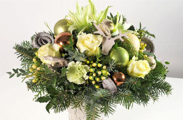 Zu weihnachten sorgen festliche blumenstr u e f r - Winterliche bilder kostenlos ...